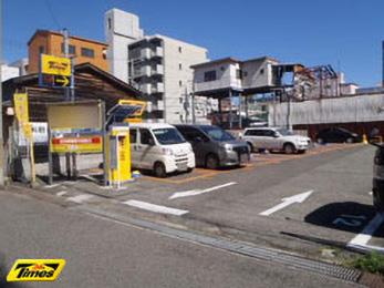 タイムズ兵庫笠松通(駐車場)の入り口写真